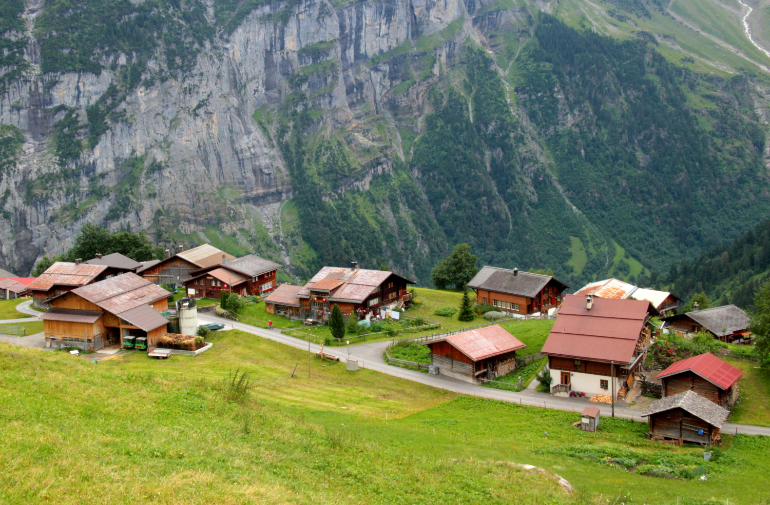 The pretty village of Gimmelwald, high up in the Lauterbrunnen valley, Switzerland