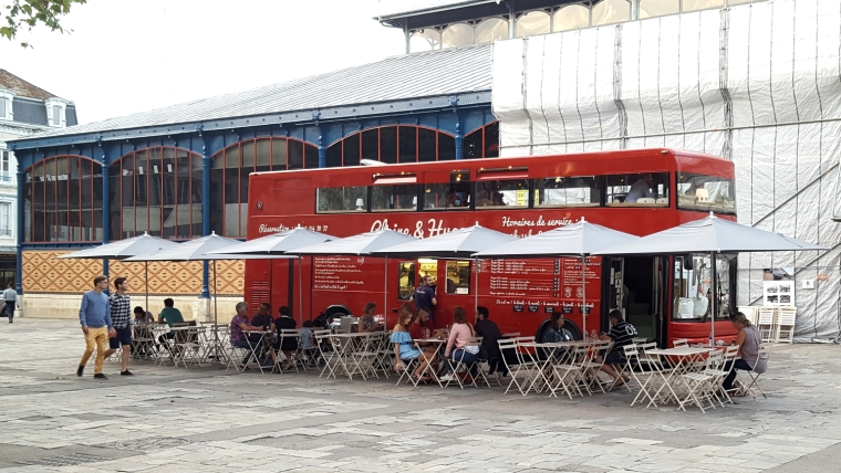 Claire et Hugo, the burger bus of Troyes, France