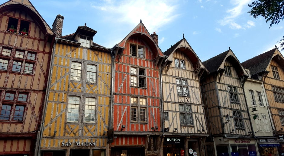 A city guide to Troyes, Champagne, France | Colourful Medieval half-timbered buildings in the historic city of Troyes, France | Travel guide | Girl with a saddle bag blog