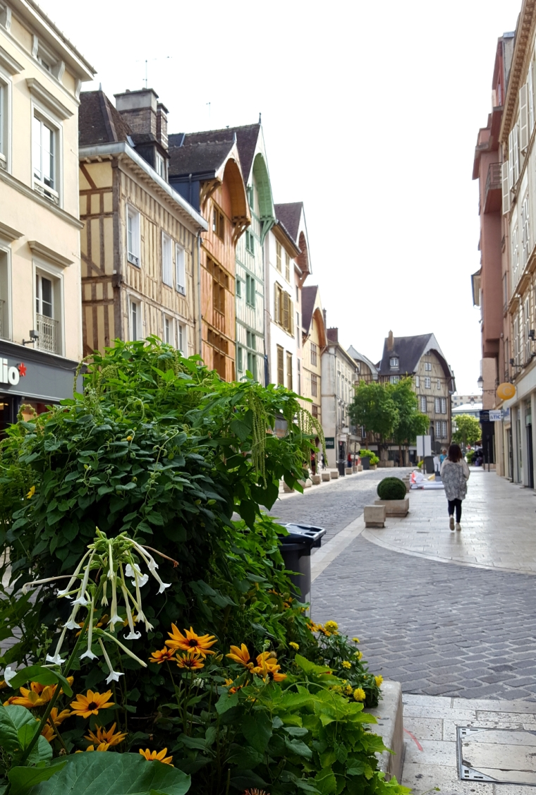 Rue Emile Zola in Troyes, France