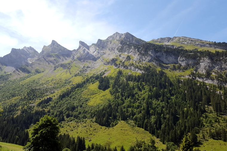 Unmissable things to do around Lake Annecy, France | Col des Aravis, near La Clusaz | Travel guide | Girl with a saddle bag blog