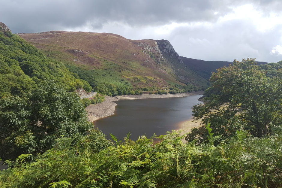Welsh wanderings: Adventures in mid and west Wales | Garreg-du reservoir in the Elan valley | Travel guide | Girl with a saddle bag blog