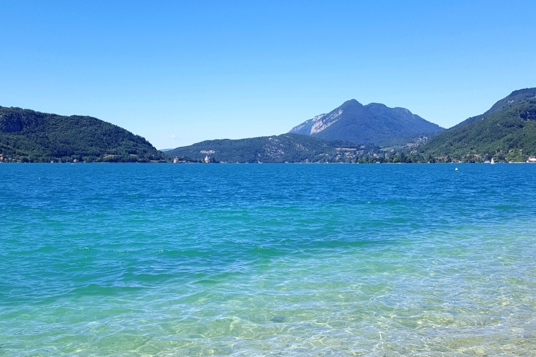 Lake Annecy: France's best-kept secret | Lake in summer | Travel guide | Girl with a saddle bag blog
