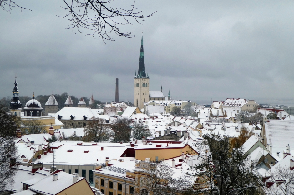 Magical reasons to visit Tallinn, Estonia, in the snow | Travel guide | City guide | Girl with a saddle bag blog