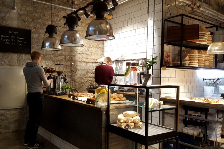 Rost bakery and cafe in the Rotermann district of Tallinn | Travel guide | City guide | Girl with a saddle bag blog