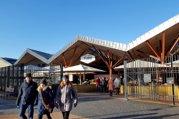 Balti Jaam Turg streetfood and produce market in Tallinn, Estonia | Travel guide | City guide | Girl with a saddle bag blog